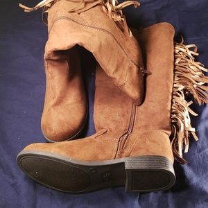 Justice boots size 6